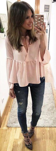 #summer #outfits Rosa Peplum Top + Bombas Rasgado Vaqueros ajustados + tachonado