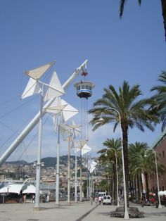 """Genova, Porto Antico, il """"Bigo""""  con l'ascensore panoramico"""