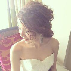 WEBSTA @ kumiko_makeup_hi - ♀️∮ ゆるゆるスタイル♡#kumikoprecious #hawaii #hawaiiwedding #wedding #weddinghair #bride #hair #hairmake #hairstyle #hairarrange #loose #ponytail #ハワイ #ハワイ挙式 #ハワイウェディング #ウェディング #結婚式 #花嫁 #プレ花嫁 #おしゃれ花嫁 #ヘアメイク #ヘアスタイル #ヘアアレンジ #ルーズ #波ウェーブ #ポニーテール #前髪