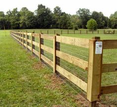 41 Gorgeous Front Fence Design Ideas For Your Front Yard Decor – front yard fence ideas Pasture Fencing, Ranch Fencing, Farm Fence, Diy Fence, Backyard Fences, Fence Gate, Horse Fence, Yard Fencing, Wood Fences