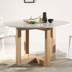 Legs like this for dining table. Homemade Furniture, Wooden Furniture, Furniture Design, Indoor Outdoor Furniture, Sustainable Furniture, Kara, Flooring, Interior, Legs