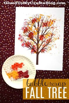 Bubble Wrap Print - Autumn Tree {w/free printable} Bubble Wrap Fall Tree Print - Fall Themed Kid Craft Idea - 5 Minute Craft Tutorial Kids Fall Crafts, Thanksgiving Crafts For Kids, Halloween Crafts For Kids, Easy Crafts For Kids, Halloween Art, Classroom Crafts, Preschool Crafts, Fall Tree Painting, Bubble Painting