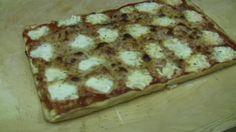 La video ricetta che spiega come fare la pizza al taglio in casa in meno di 90 minuti con risultato assicurato!!!