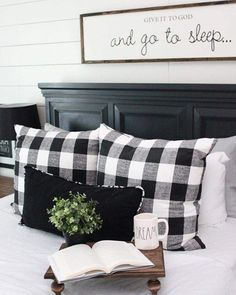 Insane Use buffalo check to create a warm and cozy feeling in your home during the fall and winter months. It is the perfect modern farmhouse decor. The post Use buffalo check to create a warm and cozy feeling in your home during the fall… appeared f . Home Decor Bedroom, Diy Home Decor, Bedroom Ideas, Bedroom Furniture, Bedroom Designs, Bedroom Inspiration, Black Furniture, Country Furniture, Decor Room
