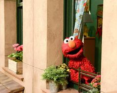 Sesame Street begins production on their season this week. Check out their updated set - Elmo Elmo Sesame Street, Sesame Street Birthday, Sesame Streets, Mickey Mouse Parties, Mickey Mouse Birthday, Toy Story Party, Toy Story Birthday, Elmo Wallpaper, Street Pictures