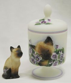 2013 Annual Convention Raffle Piece for NFGS. OOAK Opal Chessie Box with a matching Curious Cat.  This adorable set was designed and hand-painted by former Fenton designer CC Hardman.