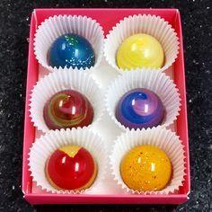 Sweet Chalet's Aurora chocolate 6 pcs assorted.