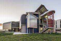 Galería de Edificio Fase Fundacional NMMU B Ed / The Matrix...cc Urban Designers & Architects - 3