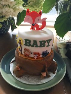 A woodland-themed baby shower - great ideas and inspiration! Amazing Baby Shower Cakes, Cute Baby Shower Ideas, Baby Shower Themes, Baby Shower Decorations, Forest Baby Showers, Inspiration For Kids, Woodland Baby, Pink And Gold, Cute Babies
