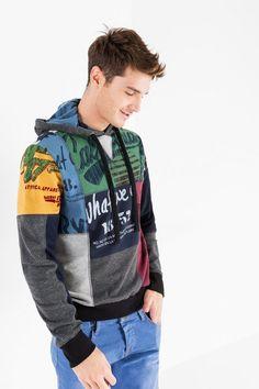 Desigual Sweatshirt met capuchon en patchwork. Ontdek de happy-casual man!