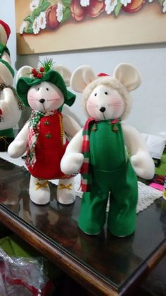 Snowman Christmas Decorations, Christmas Centerpieces, Christmas Snowman, Christmas Crafts, Holiday Decor, Sugar Plums Dancing, The Night Before Christmas, Primitive Crafts, Felt Dolls