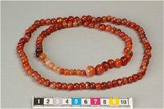 Carnelian necklace, Birka http://mis.historiska.se/mis/sok/include_image_exp.asp?uid=240391