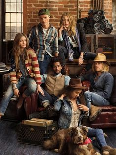Presenting the Denim & Supply Ralph Lauren artists, who combine creative forces in Meet the crew: here. Ralph Lauren Shop, Ralph Lauren Style, Chesterfield Sofas, Avicii, Tim Bergling, Ivy League Style, Best Dj, Family Photo Sessions, Denim And Supply