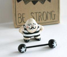 Figurine de moustache homme miniature strongman par sweetbestiary