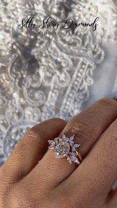 Beautiful Wedding Rings, Wedding Rings Vintage, Vintage Rings, Wedding Bands, Crown Wedding Ring, Dream Wedding, Custom Wedding Rings, Wedding Shot, Bridal Crown