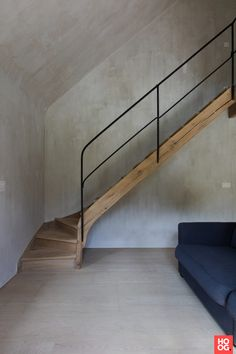 Hall with spiral staircase and wooden floors- Hal met draaitrap en houten vloeren Hall with spiral staircase and wooden floors - Home Stairs Design, Interior Stairs, Interior Design Living Room, Interior Architecture, House Design, Stairs And Doors, House Stairs, Modern Staircase, Spiral Staircase