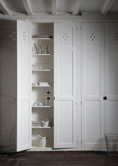 Heimtilbúnar hurðir á fataskápinn?  -- devol / cotes mill - pantry doors = cupboards