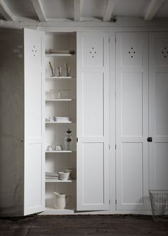 devol / cotes mill - pantry doors = cupboards