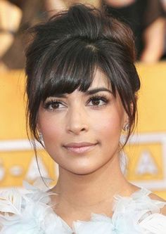 Hannah Simone's Messy Bouffant Updo at the 2014 SAG Awards