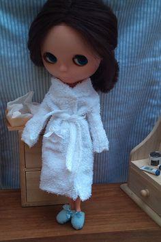Blythe bathrobe, shower cap and slippers by Rainbow Daisies