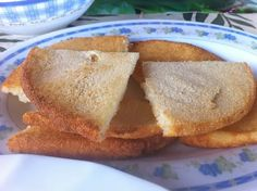 Ten Delicious Foods To Try Out When You Visit Jamaica Jamaican Meat Pies, Jamaican Brown Stew Chicken, Jamaican Patty, Jamaican Curry, Jamaican Recipes, Good Food Image, Easter Dishes, Types Of Bread, Tasty