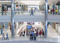 Mall Of America This Minnesota Shopping Destination Has 42 Million Square Feet Retail Space And Contains More Than 400 Stores A Theme Park Wedding