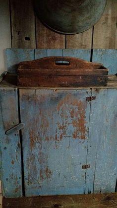. Primitive Furniture, Primitive Antiques, Country Primitive, Rustic Furniture, Primitive Kitchen, Antique Furniture, Blue Furniture, Recycled Furniture, Painted Furniture