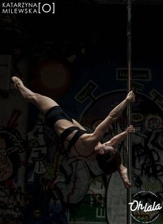 #AniaSzymoniak #ohlala #poledance #poledancer #ohlalastudio #fitness #flexibility