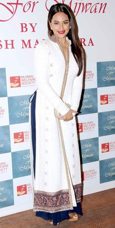 Z Fashion Trend: SONAKSHI IN WHITE AND BLUE ETHNIC WEAR PALAZZO SUI...