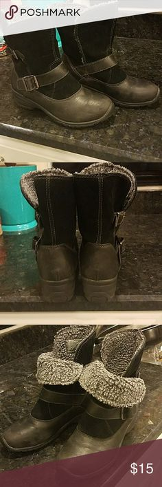 Eddie Bauer Boots Black w side buckle ,grey wool like trim in good used condition . No rips Eddie Bauer Shoes