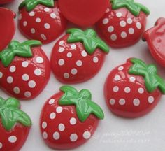 20pcs Wholesale Strawberry Resin Flatbacks Craft Embellishments Applique B0067