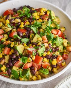 It& a salad, it& a dip, it& a topping for tacos. Source by stkaking The post Black Bean Salad with Corn and Avocado appeared first on Die schönsten Salate. Five Bean Salad, Corn And Bean Salad, Make Ahead Salads, Easy Salads, Avocado Salat, Avocado Bean Salad, Cucumber Salad, Bean Salad Recipes, Avocado Salad Recipes