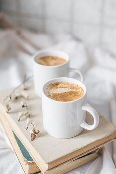 coffee photography coffee humor coffee recipe coffee corner coffee quotes c. Coffee And Books, Coffee Art, Iced Coffee, Coffee Drinks, Coffee Cups, Coffee Maker, Coffee Dripper, Drinking Coffee, Coffee Break