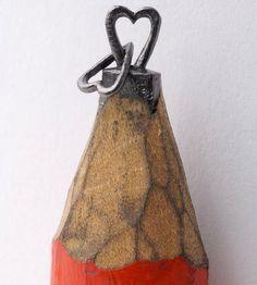 Dalton Ghetti crafts the tips of pencils into amazing micro sculptures