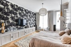 Herringbone flooring, light walls and black decor elements - this combination formed the basis of the exquisite design of this modern apartment in Paris. ✌Pufikhomes - source of home inspiration White Apartment, Parisian Apartment, Apartment Design, Home Room Design, House Design, French Interior, Black Decor, Home Bedroom, Bedrooms