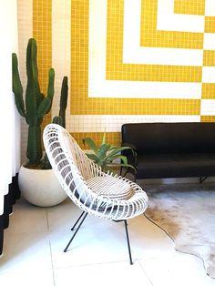 """Résultat de recherche d'images pour """"palm springs style"""" Palm Springs Style, Spring Fashion, Chair, Furniture, Home Decor, Fashion Spring, Decoration Home, Room Decor, Spring Couture"""