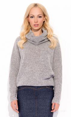 sweter na jesień na Feegle Turtle Neck, Sweaters, Fashion, Moda, Fashion Styles, Sweater, Fashion Illustrations, Sweatshirts, Pullover Sweaters