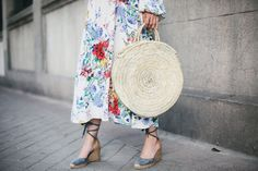 DE LUNARES Y NARANJAS: Tendencia: bolsos trenzados, cestas y capazos Straw Bag, Autumn, Spring, Valencia, Breeze, Style, Fashion, Hampers, Straw Handbags
