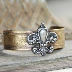 Designer Inspired Silver & Gold Fleur De Lis Cuff Bracelet, Artisan Crafted Fleur De Lis Cuff Bracelet Brass and Pewter Combines Vintage Finished Metals CA001 http://www.amazon.com/dp/B00DDXPEX4/ref=cm_sw_r_pi_dp_ankvwb1QWW6TN