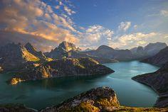 Lake Solbjornvannet, Lofoten, Norway.