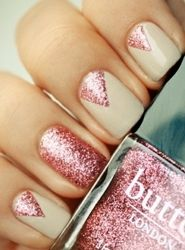 white and pink glitter new years eve nail art