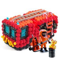Le camion de pompier avec sonPlaymobil. Le tout en 3D fabriqué parCandy-mail. Dessert Decoration, Chocolate, Candy, Crochet, Birthday, Kids, Centre, Boutique, Goodies