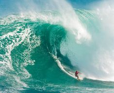 Links to Hawaii's Top 13 Surfing Spots (Beaches, Pipelines & Bowls) ... Known as the birthplace of surfing, it makes perfect sense that Hawaii is also home to some of the best places to catch waves in the world. These 13 beaches, pipelines and bowls offer a range of conditions, from those are great for first timers to spots where more than one pro has been killed. [...]