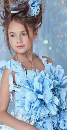 Funny Babies, Cute Babies, Lovely Smile, Blue Party, Cute Baby Pictures, Baby Girl Dresses, Beautiful Children, Cute Girls, Handsome
