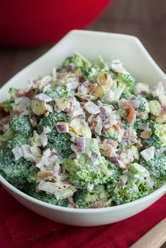 Does a delicious and easy broccoli salad sound good to you? Then try this low carb broccoli salad recipe, right now! It's sure to be a crowd pleaser. salad Low Carb Broccoli Salad - Easy Keto Recipe - The Low Carb Diet Low Carb Recipes, Diet Recipes, Healthy Recipes, Primal Recipes, Paleo Meals, Paleo Food, Vegetarian Cooking, Cream Recipes, Grilling Recipes