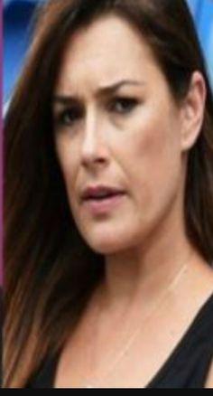 Chi mi sa dire di chi è questo  viso di donna?