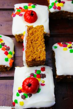 Pumpkin Bars With Cream Cheese Frosting - Greedy Eats