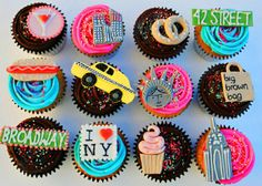 New York themed cupcakes... How cute are these? #cupcakes #newyork