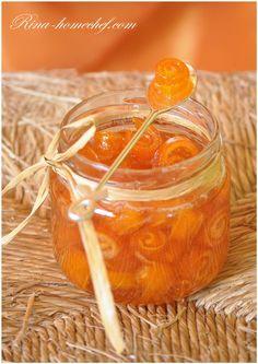 Праздничное варенье из апельсиновых корок «Завитушки». На банку 300 мл:    - 3 шт. апельсина  - 300 мл воды  - 300 гр сахара  - 50 мл лимонного сока  - При желании можно добавить имбирь — 10 г