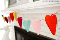 Felt heart garland. So cute and so easy to make.
